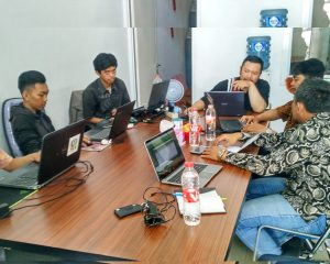 Proses development system Simari Mobile dengan Tim IT